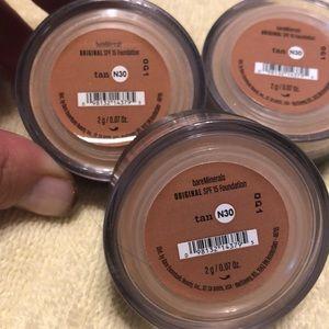3 brand new Bare Minerals tan foundation